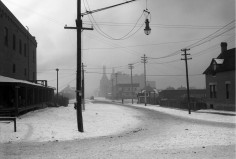 View west on 12th Avenue from Osage Street, Denver, Colorado Neef Brother's Brewery in distance, located between Quivas and Raritan Streets, Courtesy DPL Western History Collection GB-8278